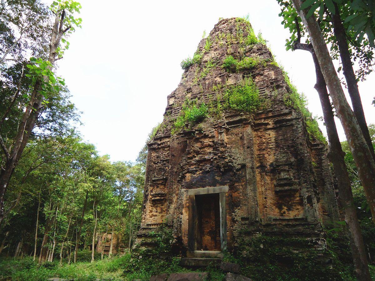 L kampong thom cover