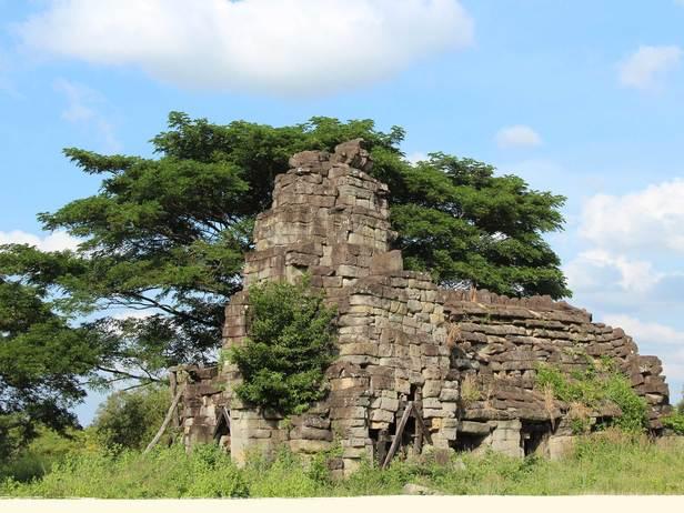 La Ang Phnom Touch