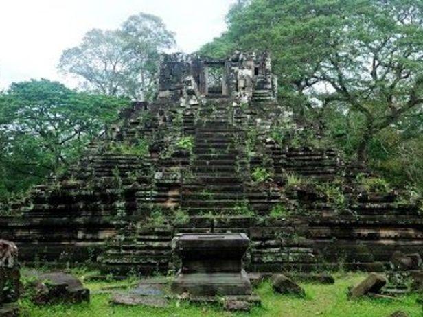 Preah Pithu T