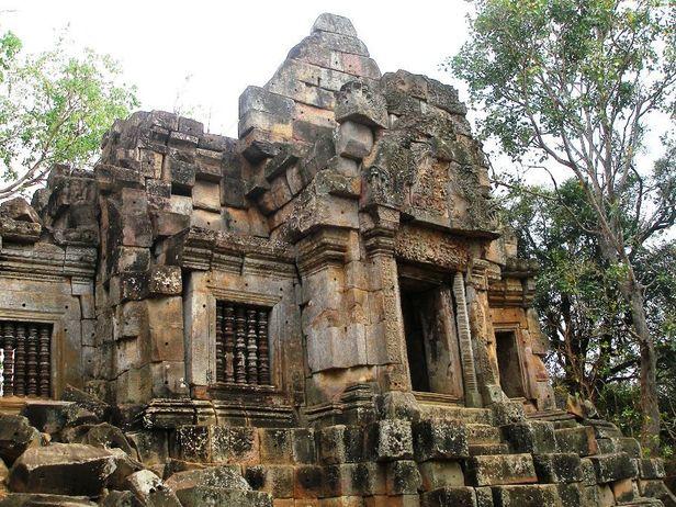 Ek Phnom Temple